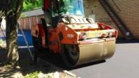 uplotnenie-asfaltobetonnoj-smesi-katkami