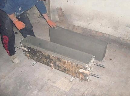 Бордюр для клумбы из цемента 109
