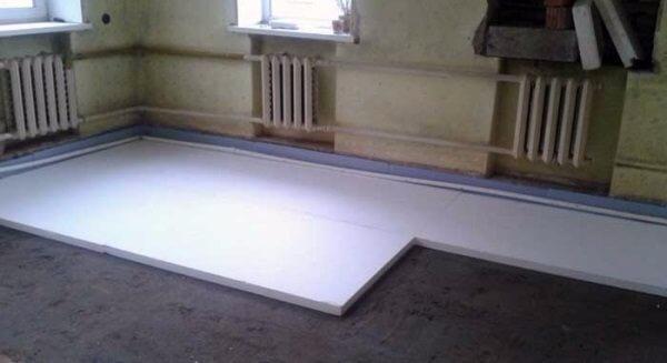 Как утеплить бетонный пол в квартире