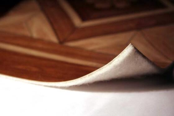 Как склеить линолеум к бетонному полу и какие материалы лучше использовать