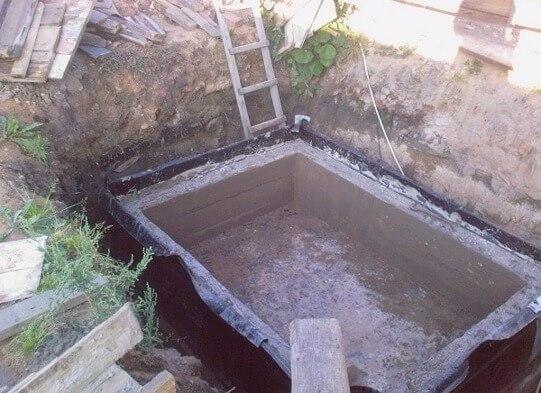 Заливаем стены бетоном цементный раствор для кладки печей