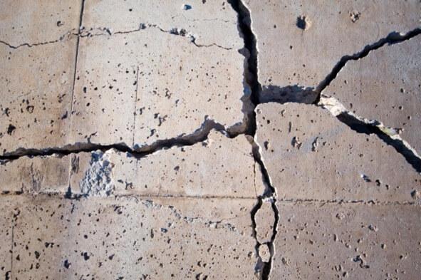 Разрушение бетон инъектирования цементного раствора